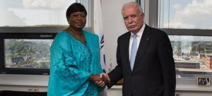 ICC Prosecutor Fatou Bensouda and foreign minister of Palestine, al-Maliki in The Hague.